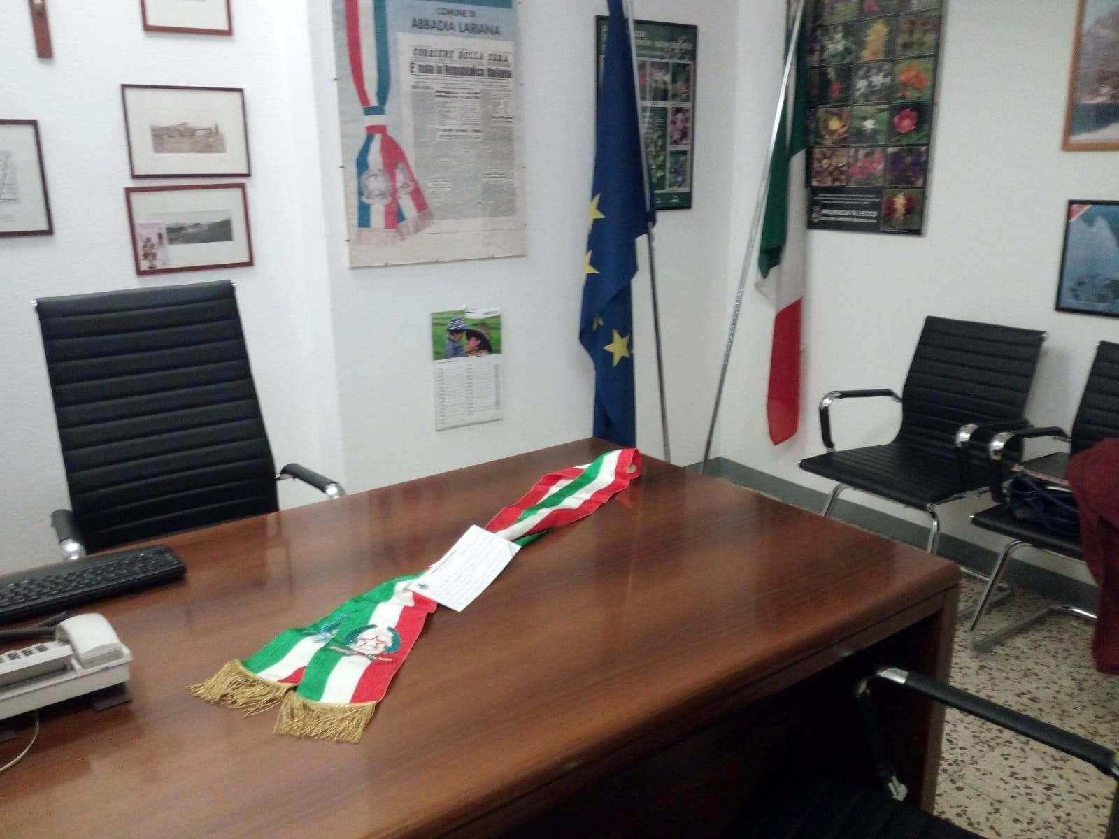 ufficio sindaco abbadia fascia tricolore-2