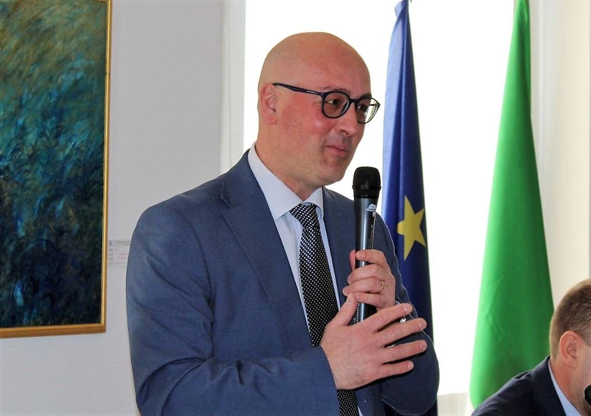 Claudio Usuelli presidente Provincia mezzo busto