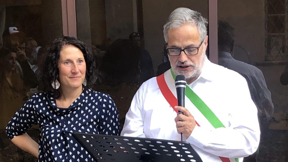 Festa Corti Diana Nava e sindaco discorso-2