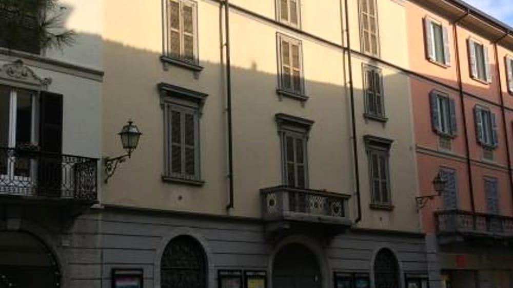 Via Roma 51 Palazzo Ghislanzoni esterno-3