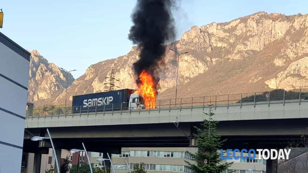 incendio camion statale 36 ponte manzoni 25 ottobre 2019-2
