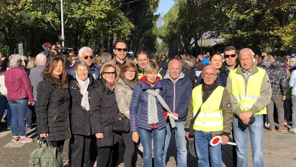 Scuole pace gruppo volontari-2