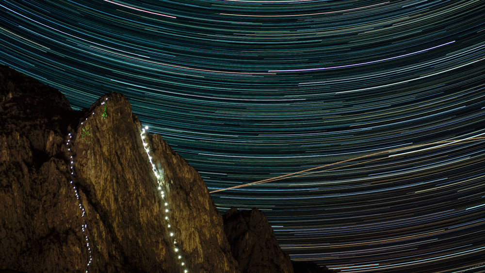 Star-trail_Fiaccolata_Medale-2019_Web Marco Colombo-2