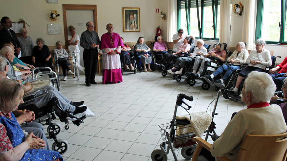 visita arcivescovo introbio (1)-2