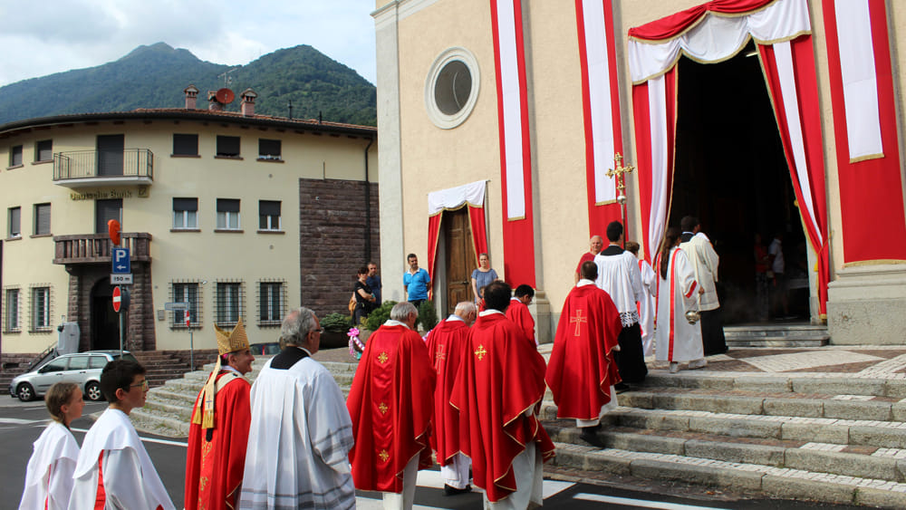 visita arcivescovo introbio (3)-2