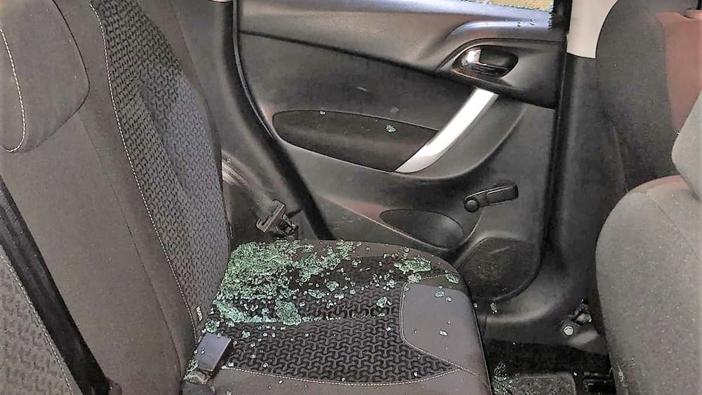 vandalismo auto Linda Olate (3)-2