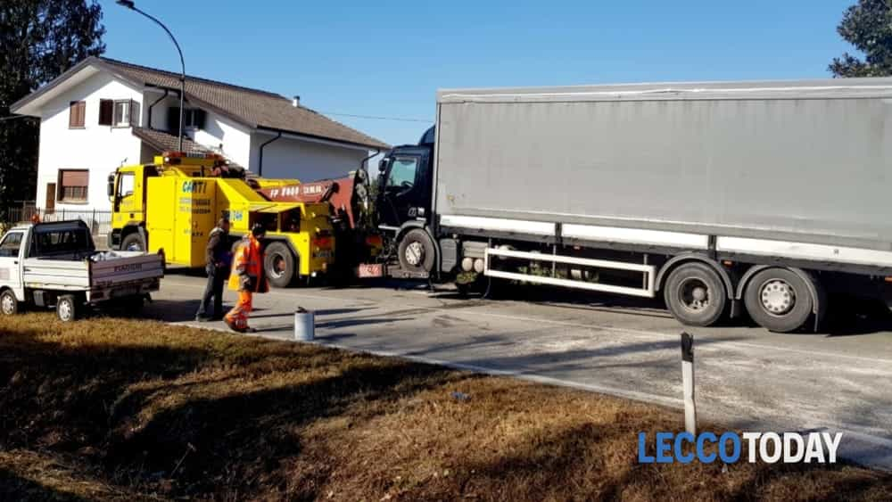 Incidente Oggiono camion 14 02 19 (2)-2