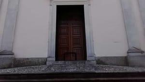 Chiesa vandali edificio-2
