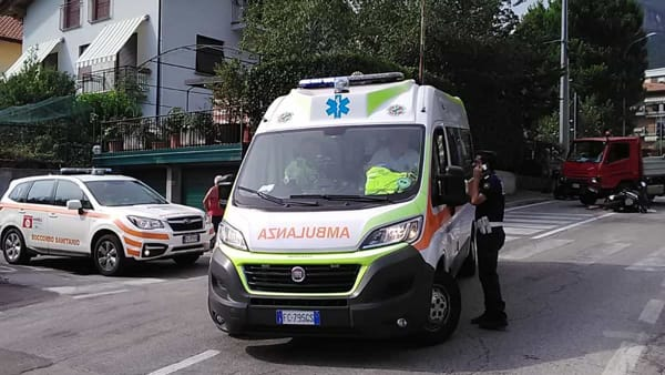 Mandello soccorsi ambulanza incidente-2