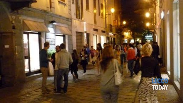 "Lecco, lo shopping di sera diventa ""Happy Night"""