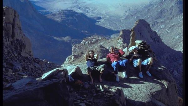 """""""Ragni around the World"""", nuova puntata: maglioni rossi nel deserto algerino"""