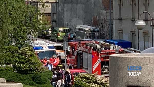 esplosione petardo via parini (7)-2