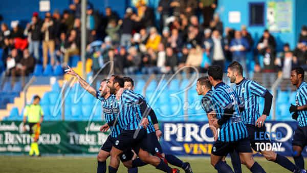 Calcio Lecco: Olbia dominata e abbattuta, i blucelesti volano con Strambelli e Negro