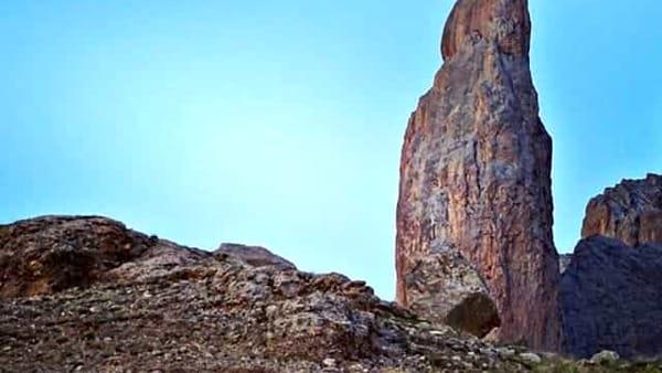 una delle magnifiche torri dei monti Aladaglar-2