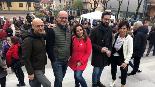 Gruppo PD piazza Calolzio-2