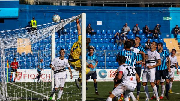 Calcio Lecco battuta anche dalla Pianese. Di Nunno: «Mi dimetto»