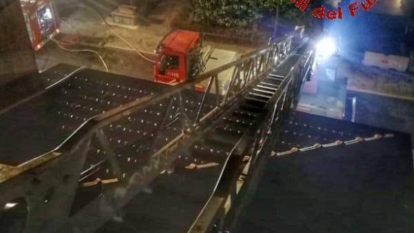 incendio la valletta brianza 16 gennaio 2020 pompieri2-2