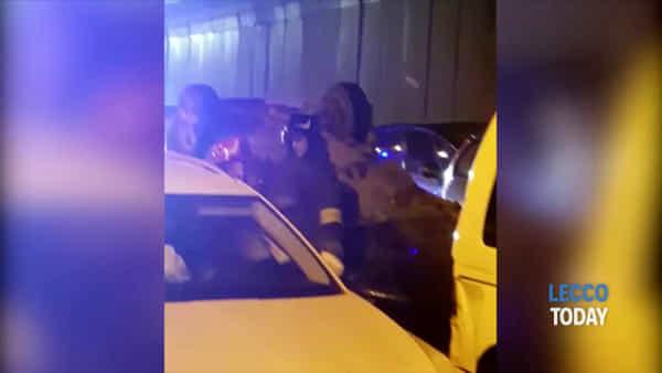 """Tamponamento tra più veicoli nel """"San Martino"""": il video dei soccorsi"""
