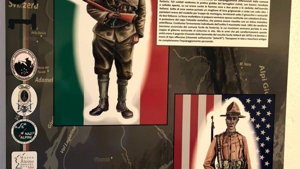 Uniformi mostra-2