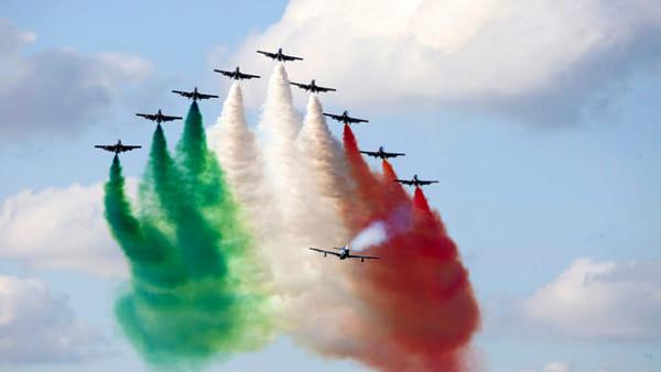 """""""Air Show"""": frecce tricolori a Varenna"""