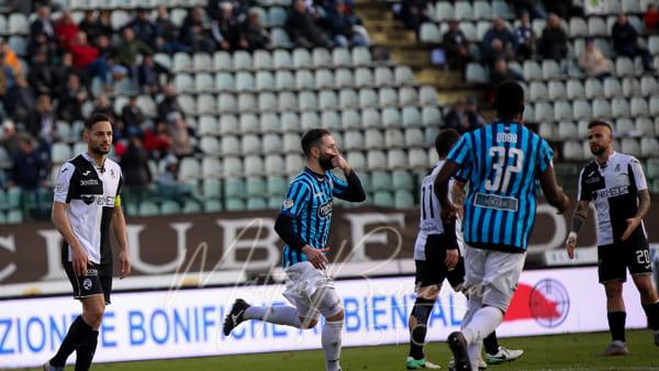 Calcio Lecco: gran prestazione e un punto a Siena, Strambelli risponde ad Arrigoni
