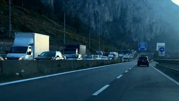 Accident along the Statale 36 between Lecco and Abbadia, traffic haywire thumbnail