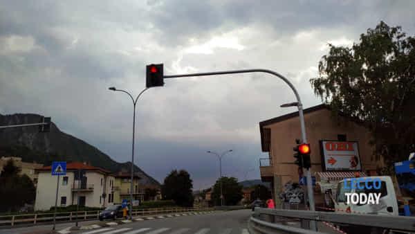 semaforo obi rotonda provinciale malgrate  (2)-2