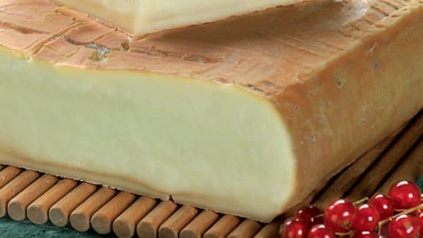 Degustazione in Valsassina: vino e formaggi, un classico che fa sognare