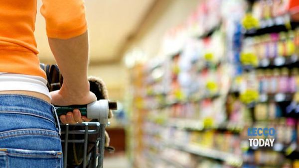 Al supermercato per trovare l'anima gemella, i single si ritrovano all'Esselunga