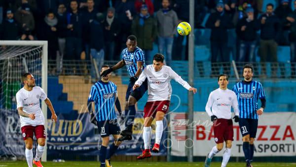 Il Lecco non concretizza il doppio vantaggio, l'Arezzo strappa il 2-2