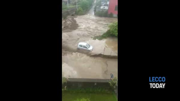 Maltempo. Esondazione del fiume Varrone, evacuazione a Dervio