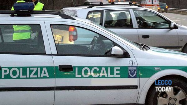 Incidente auto-scooter in via Polvara, in tre all'ospedale