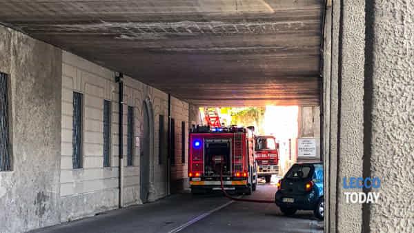 incendio villa giulia valmadrera 5 ottobre 20193-2