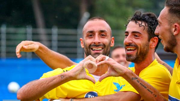 """Calcio Lecco, la """"prima"""" è amara: Giana dominata, ma il recupero è fatale"""