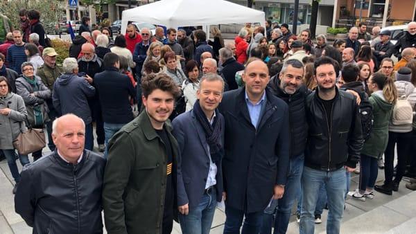 Proesta piazza gruppo con Fragomeli-2