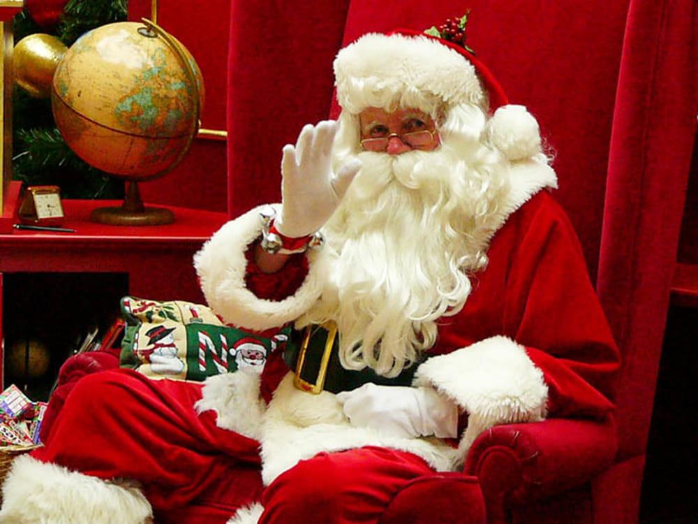 Il Babbo Natale.La Casa Di Babbo Natale Eventi A Lecco